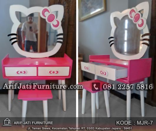 jual meja rias hello kitty murah