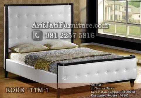 tempat tidur minimalis jok modern