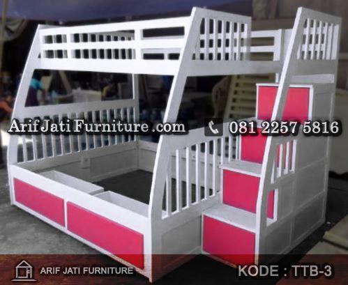 tempat tidur tingkat warna putih pink
