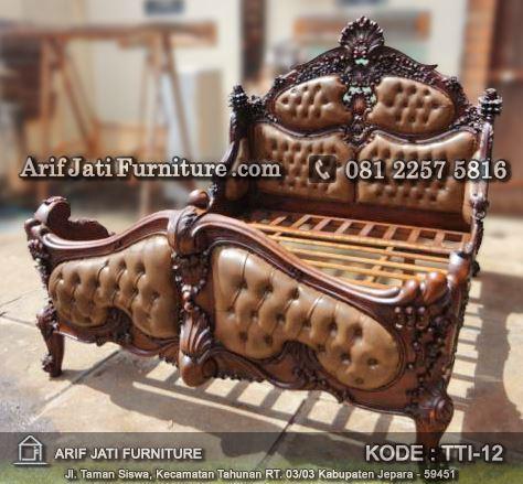 tempat tidur antik mewah ukir jepara