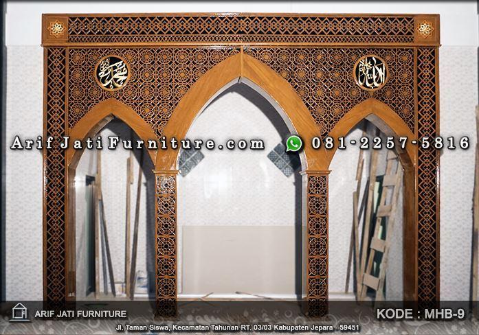 pemasangan ornament pengimaman masjid