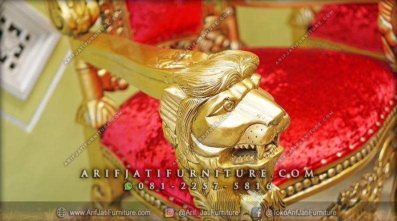 sofa kursi raja ukir kepala singa